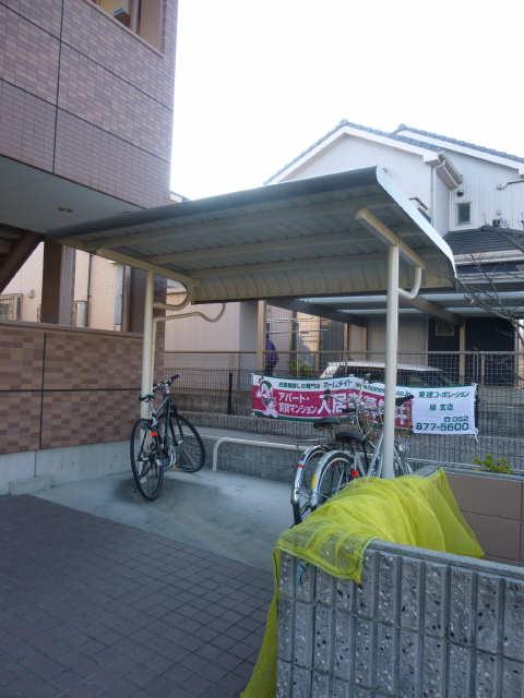 リ・ウルス神ノ倉 自転車置き場