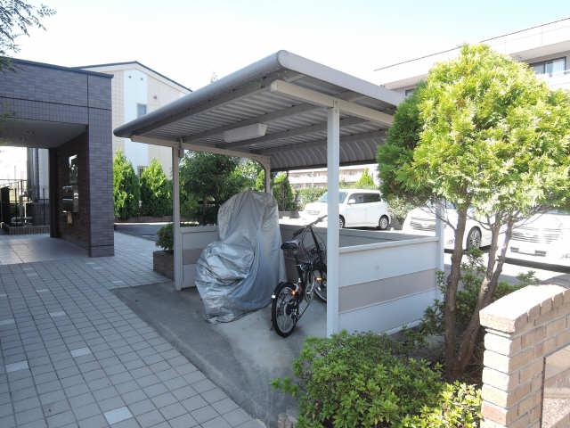 サンパティーク 駐輪場