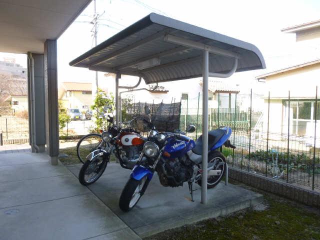 パルティール 自転車置場