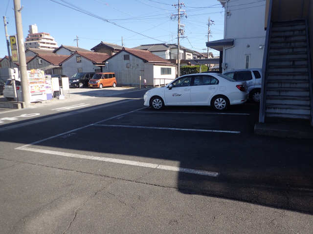 フォーブル木田 駐車場