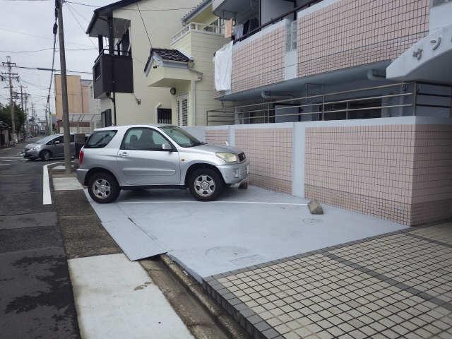 サンハイツ竹内 4階 駐車場