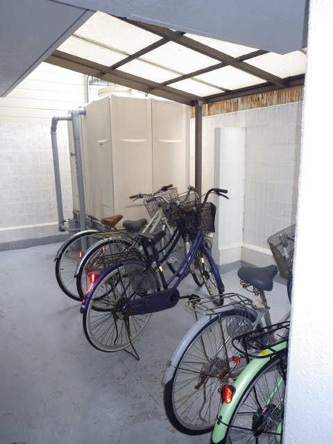 サンハイツ竹内 4階 駐輪場