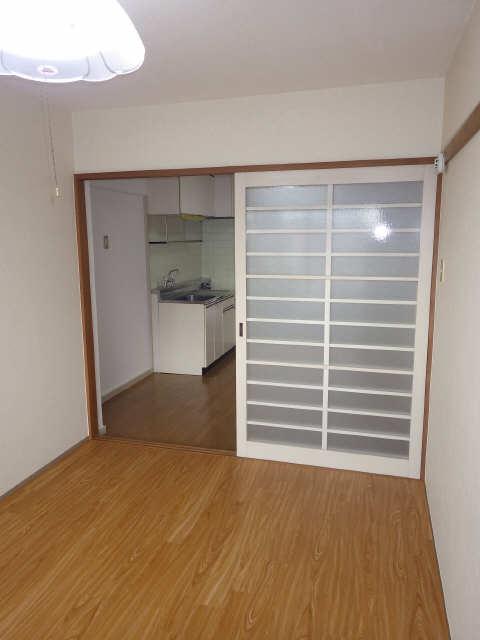 サンハイツ竹内 4階 室内