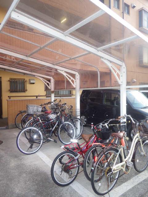 リバーサイドK 駐輪場