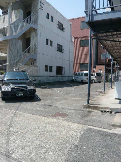 コーポみのる 駐車場