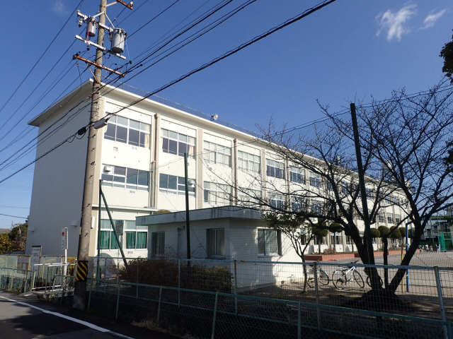 ラ・ポールサワイ 篠田小学校