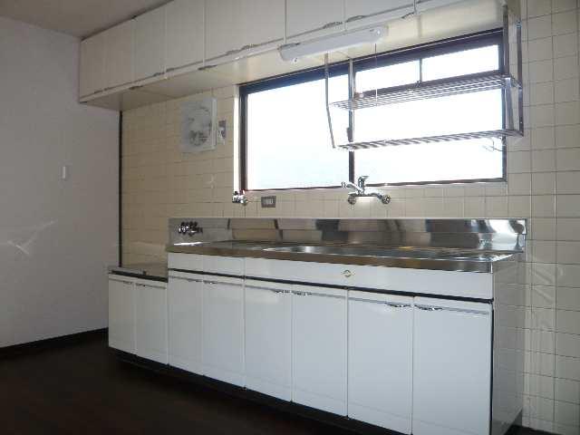 ウエストハウス オーモン 3階 キッチン