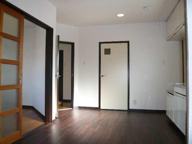 ウエストハウス オーモン 3階 室内