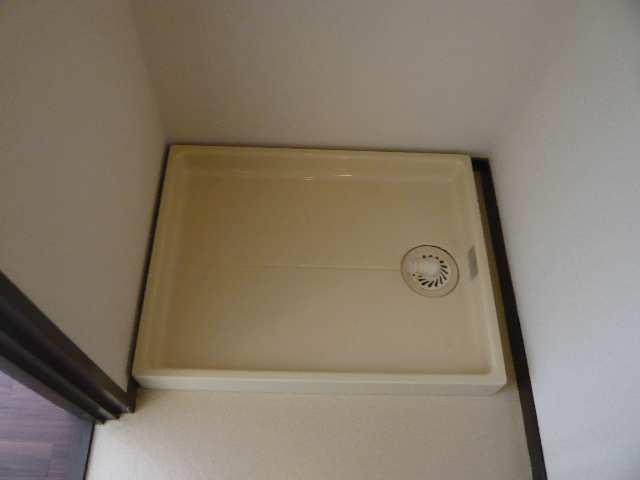 ウエストハウス オーモン 3階 洗濯機置場