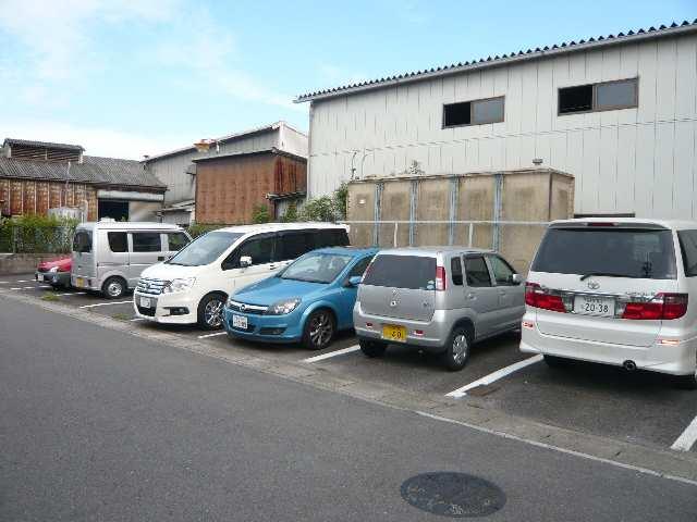 アーバンライフ本郷 第1・第2 第二の駐車場