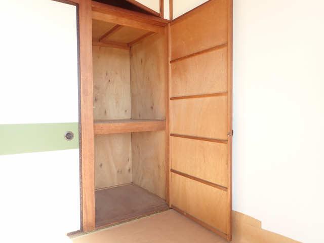 鹿野マンション 2階 収納