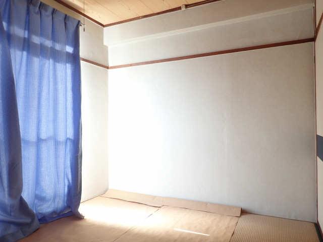 鹿野マンション 4階 和室