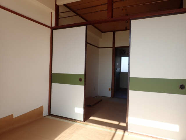 鹿野マンション 4階 室内