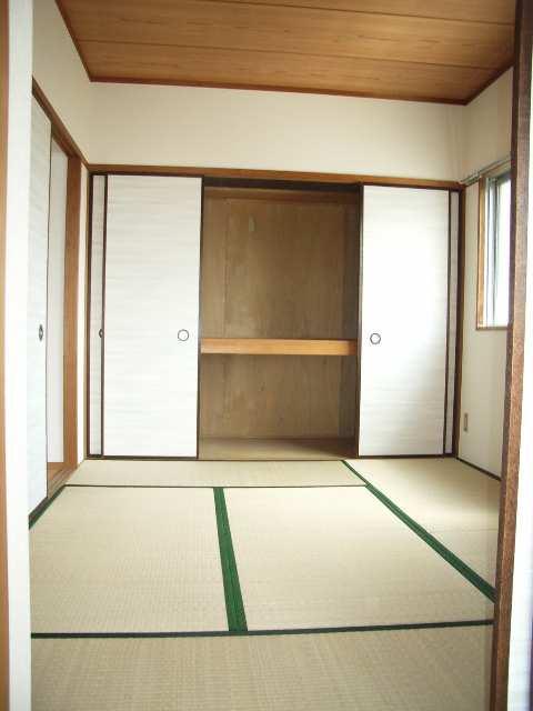 キングスマンション2号館 3階 和室