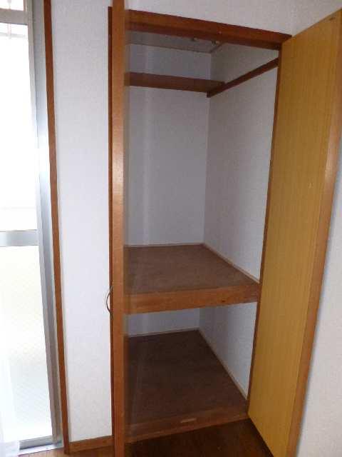 キングスマンション2号館 1階 室内収納