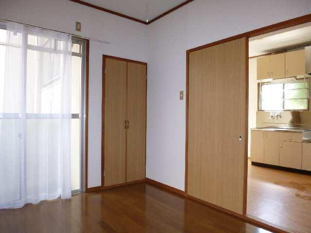 キングスマンション2号館 1階 室内