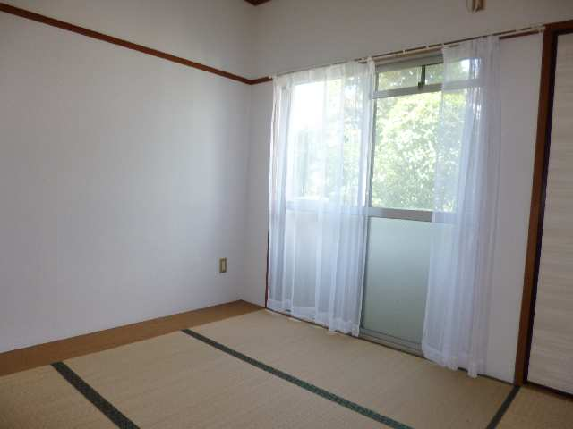 キングスマンション2号館 1階 西和室