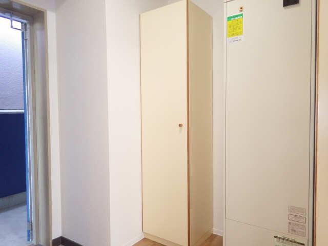 タウンコート岩塚 3階 シューズBOX