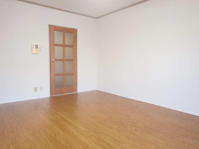 タウンコート岩塚 3階 室内