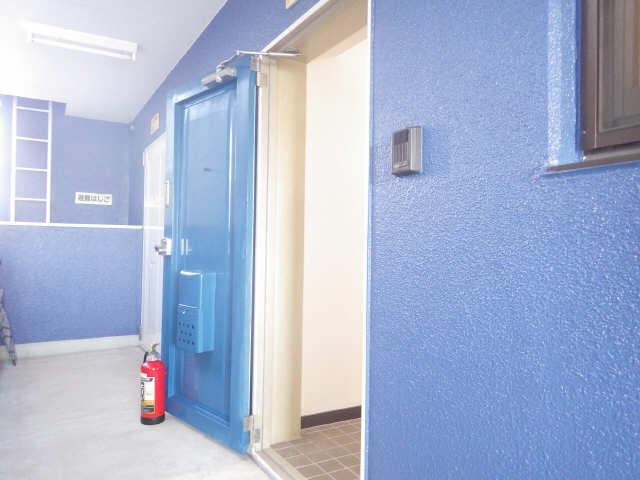 タウンコート岩塚 3階 玄関