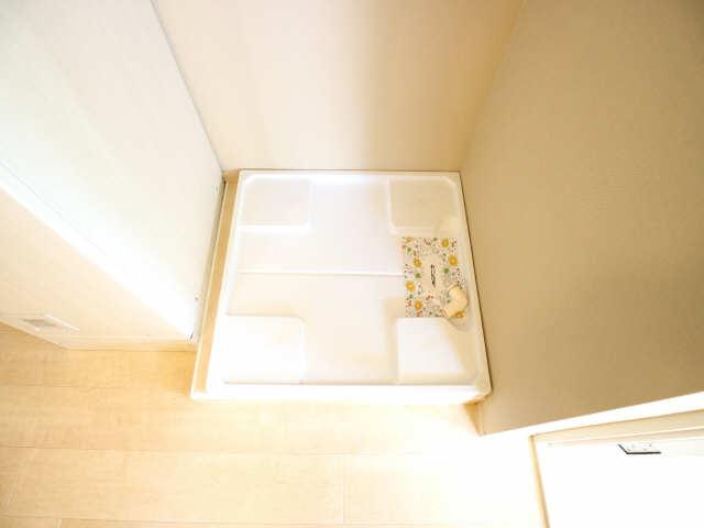 タウンコート岩塚 2階 洗濯機置場