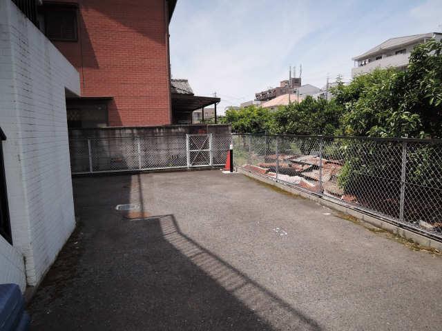 マンション天里 3階 駐車場