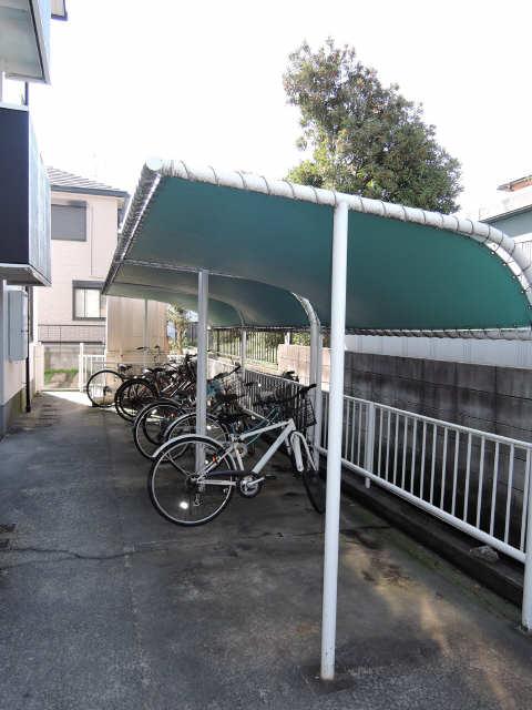 グリーンプレジオ岩塚 駐輪場