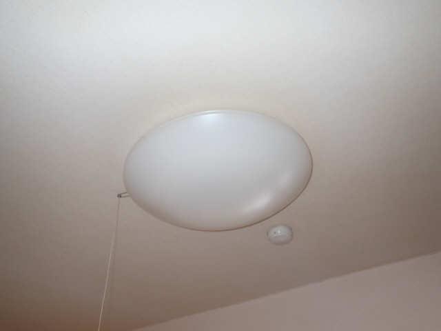 吉屋ビル 4階 照明器具