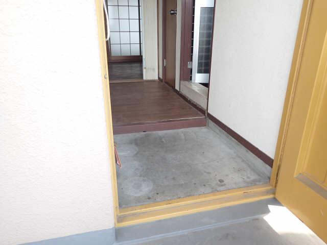 吉屋ビル 4階 玄関
