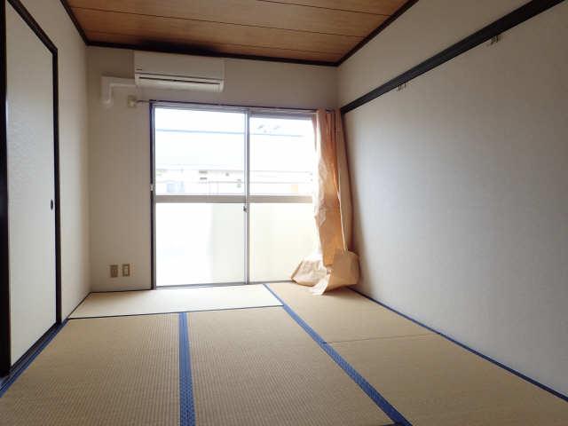 タウン松葉 2階 和室