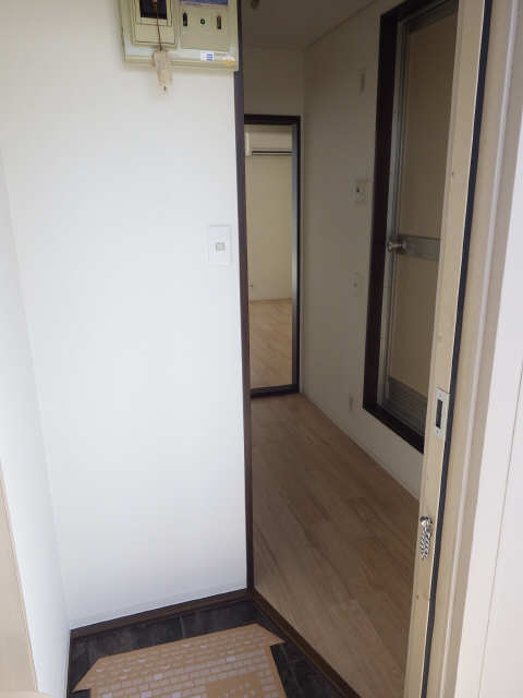 フォーブル沖田 2階 玄関