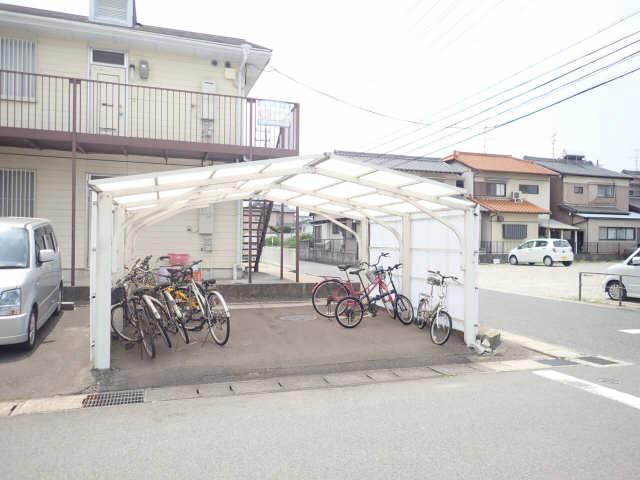 サンハイツ山田 2階 駐輪場