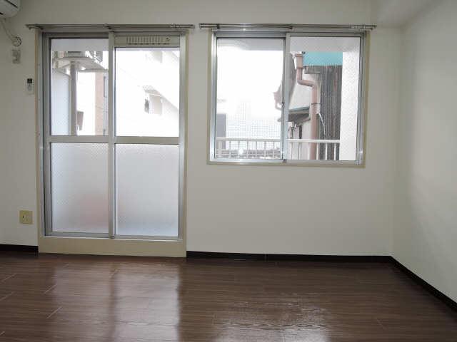 サンライズノリタケ 2階 室内
