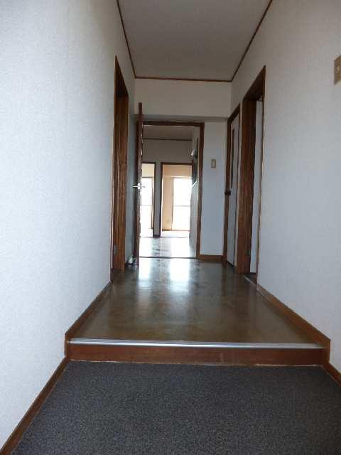 カーザビアンカⅡ 3階 玄関