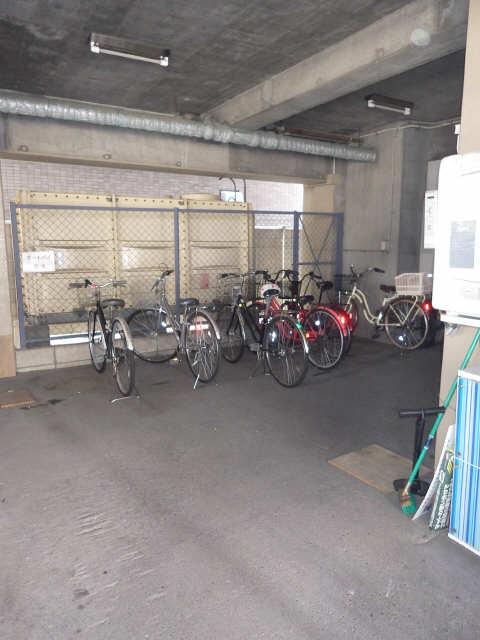 GRANDY太閤 駐輪場