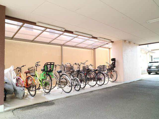 B.S.ハウスロボ 2階 駐輪場