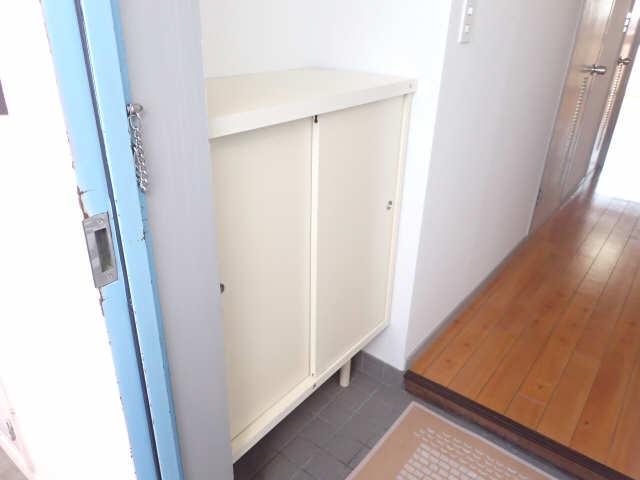 B.S.ハウスロボ 6階 シューズBOX