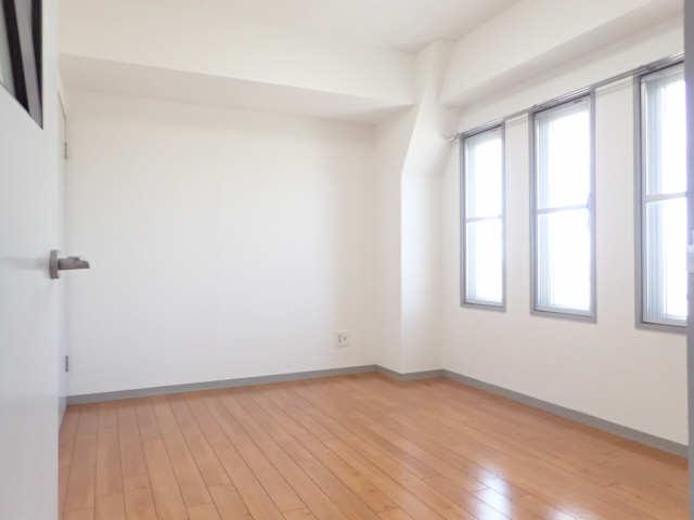 B.S.ハウスロボ 6階 北洋室