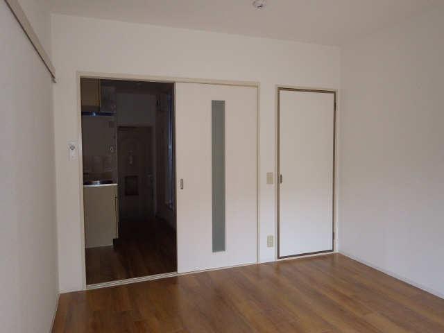 メゾンR&AⅡ 1階 室内