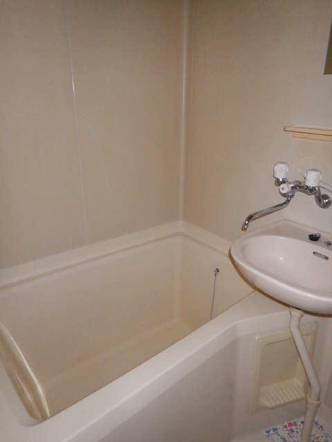 メゾンR&AⅡ 1階 浴室