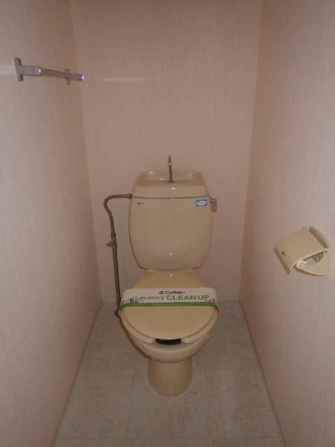 メゾンR&AⅡ 1階 WC