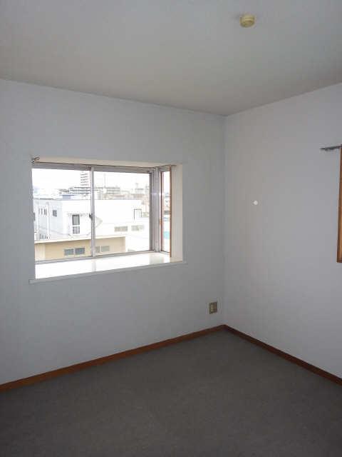 リバーサイド宮塚 4階 室内
