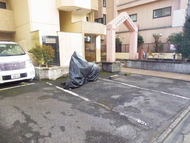 エスポア日吉 駐車場