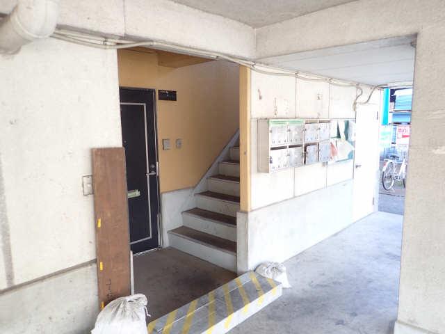 サンホーム愛宕 3階 エントランス