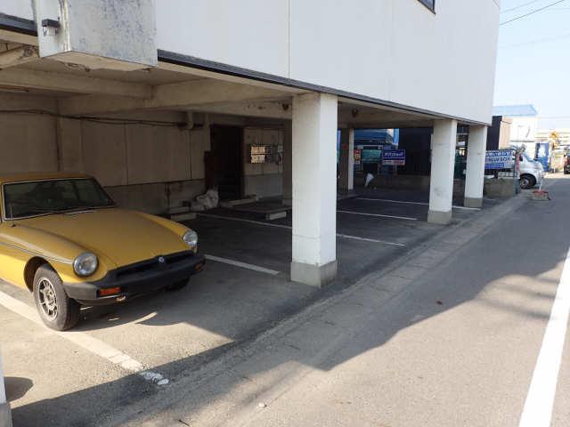 サンホーム愛宕 3階 駐車場