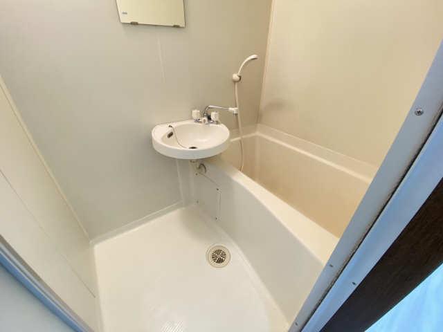 ランドビル本陣 8階 浴室