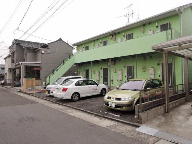 レピュート沖田 駐車場