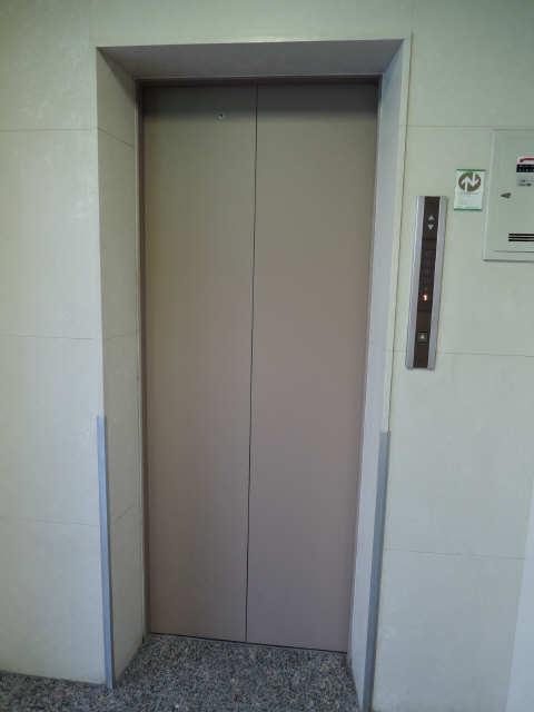 ShanPole NAMIKI エレベーター