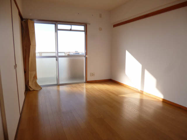 リアライズ甚目寺 8階 室内