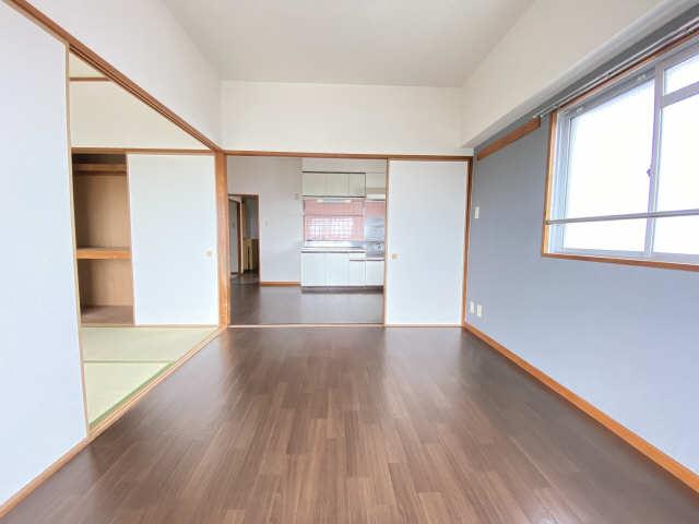 リアライズ甚目寺 5階 室内